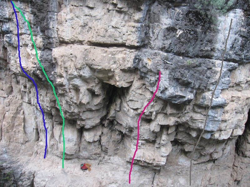 Rock Climbing Photo: So Gone Pocket Throw (5.12-) This Is My Route(OP) ...