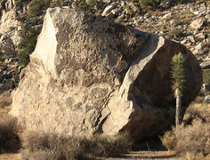 Rock Climbing Photo: Yabo Boulder. Photo by Blitzo.