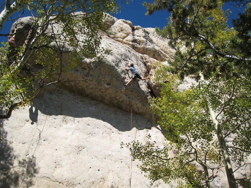 Rock Climbing Photo: Ninja stemming over the lip of Nine Horse Johnson....