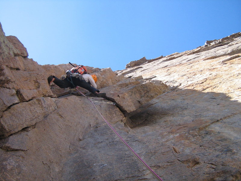 Jesse pulling some steep, enjoyable face moves on P3 before the squeeze chimney section of Directissima.