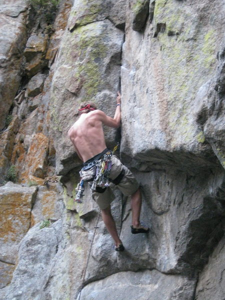 Rock Climbing Photo: Jamming through the crux.