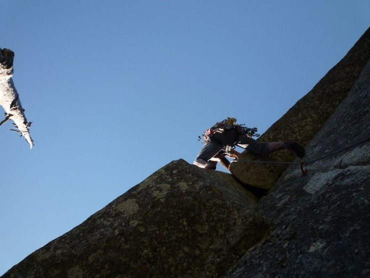 Rock Climbing Photo: Tennessee on P2 overhang (c) Scott Nomi.