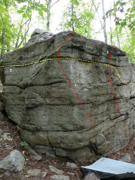 South East corner of the Lower Wawarsing Boulder: 1. South East Arete (V0+), 2. South East Face (V0), 3. Girdle Traverse (V1)