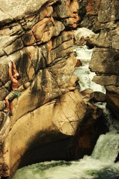 Rock Climbing Photo: Matching on the sloper.