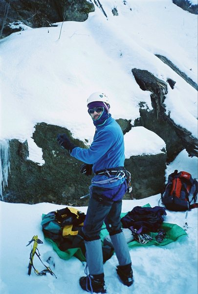 Jerry Wingenter gearing up under Gully Dwarf Wyalusing WI in -20F 05.