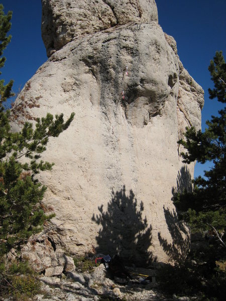 Rock Climbing Photo: Rising From the Plains climbs the vertical wall to...