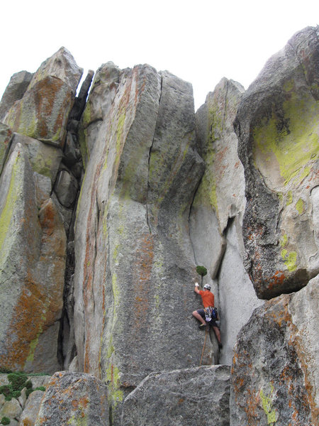 Rock Climbing Photo: Upper corner of Tide Country.  Interceptor on the ...
