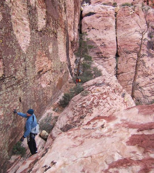 Rock Climbing Photo: To reach the rappels, go west from the top of the ...