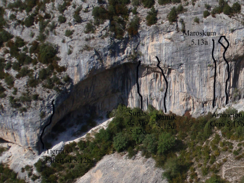 The left side of Gran Boveda. The smaller steep cave is off the left side of the photo.