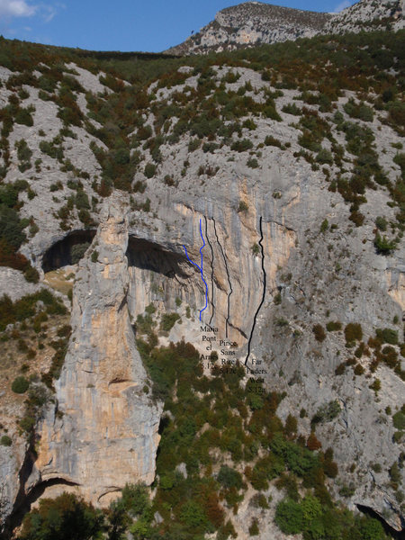 Rock Climbing Photo: Overview of the incredible routes on the right sid...