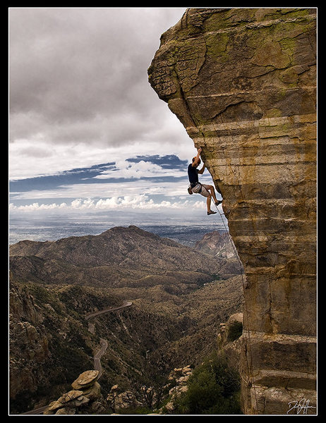 Rock Climbing Photo: Rob on Steve's Arete (5.11-)  A very photogenic pl...