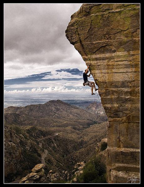 Rock Climbing Photo: Rob on Steve's Arete (5.11-)  A very photogenic pl...