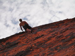 Rock Climbing Photo: On the Panty Wall at Red Rock in July, peeking to ...