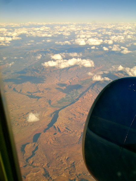 Rock Climbing Photo: awesome flyby over Moab (i think) on Delta 708, 9....