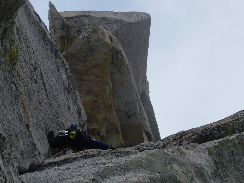 leading the 2nd pitch of Open Book. Looking up to the roof where the belay is. Photo taken by Trask Bradbury