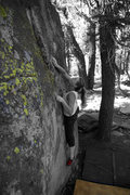 Rock Climbing Photo: V2 at the saddles