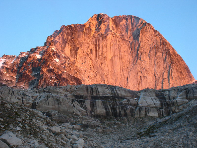 Rock Climbing Photo: Sunrise alpenglow on the East Face of Bugaboo Spir...