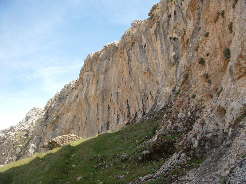 Rock Climbing Photo: The section of the wall that hosts the harder rout...