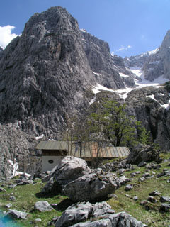 The Oberreintal hutte in foreground, fun in back