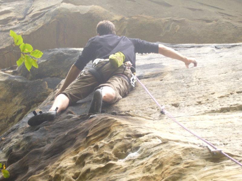 Rock Climbing Photo: Approaching the upper hard part.