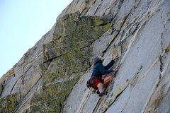 Rock Climbing Photo: Climbing up the quartz dikes on Springbank 5.10a