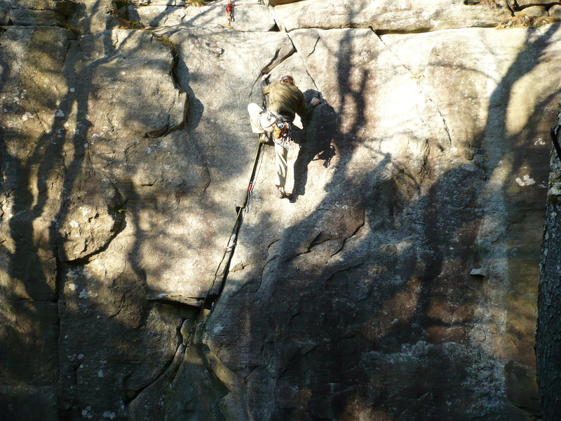 Finishing up the glorious upper crack<br> <br> photo by: Chris Keller