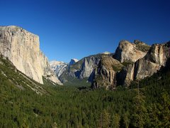 Rock Climbing Photo: Yosemite Valley from the Tunnel View vista, classi...