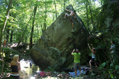 Rock Climbing Photo: First Ascent of King Kong V5+