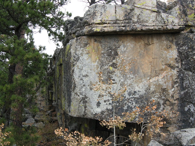 Rock Climbing Photo: Boulder with a roof.