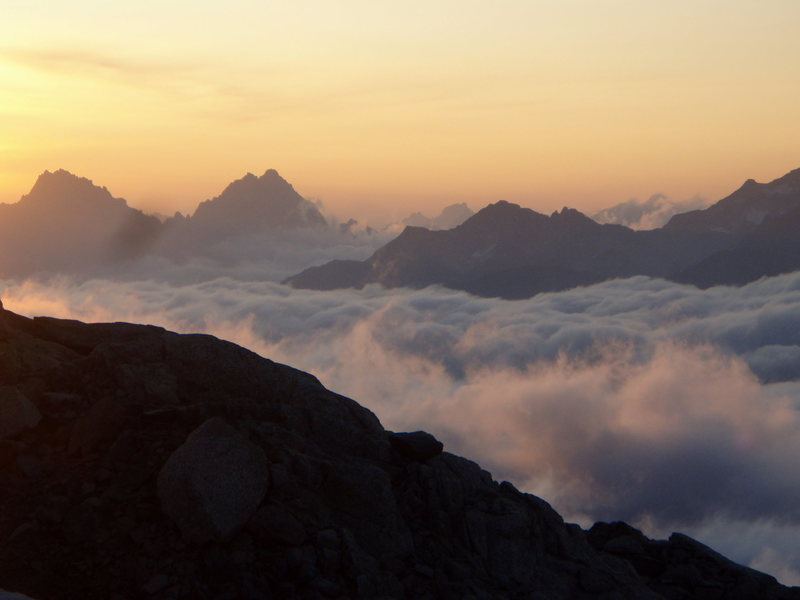 Rock Climbing Photo: Sunrise Eldorado Peak North Cascades NP