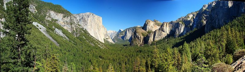 Panoramic from the Tunnel View vista, September 2009.