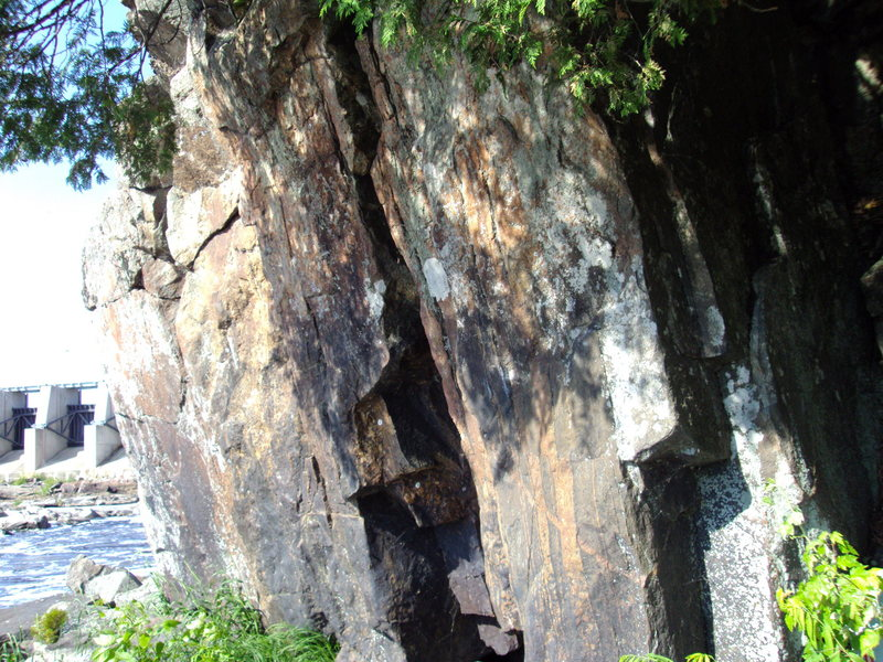Rock Climbing Photo: down near the dam