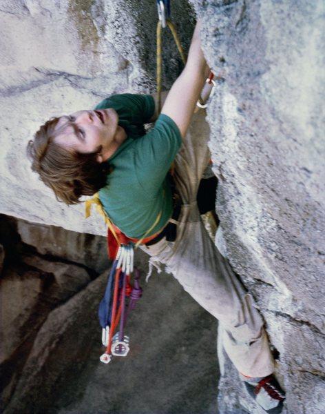 Rock Climbing Photo: Mark Force @ the knee lock rest Twilight Zone, Wes...