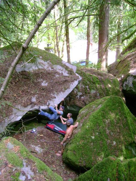 Rock Climbing Photo: Nate Gol heading round the bend.