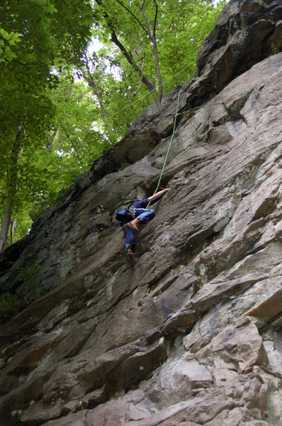 Skyler Anderson seconding Flying Dutchman 5.5 at Schoolhouse Crag.