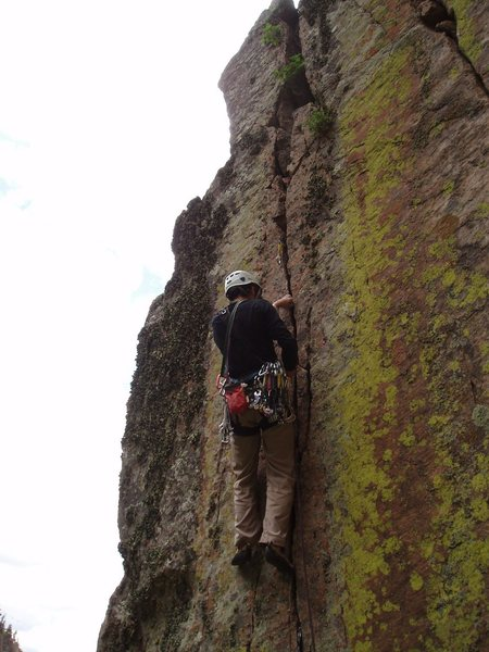 Rock Climbing Photo: Top Flite's excellent 2nd pitch finger crack.