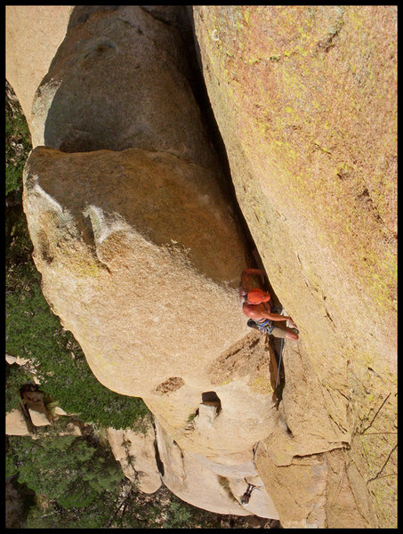 Rock Climbing Photo: Joe Garcia leading P3 of Mystery of the Desert in ...
