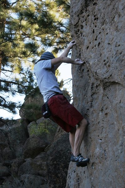 Rock Climbing Photo: Moving along the crack on Merciless Whippin'