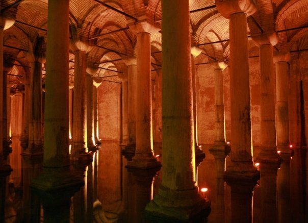 in the cistern underground.....incredible...(Istanbul)
