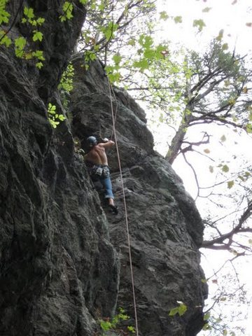 Rock Climbing Photo: Roof crux on Jederman (Trad, 5.8+)