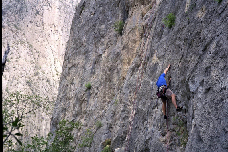 Rock Climbing Photo: On the Mota Wall, El Potrero Chico.
