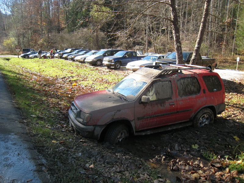 It can be difficult to find parking at the Military Wall on autumn weekends.