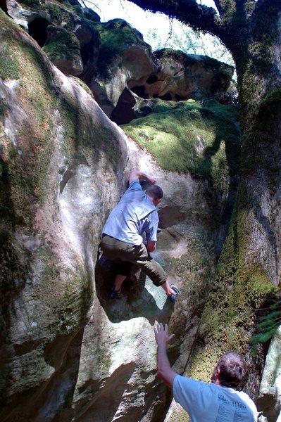 Drunkenmaster does Groundation V7FA! Cave Boulder, Castle Rock  Photo: Bruce Morris