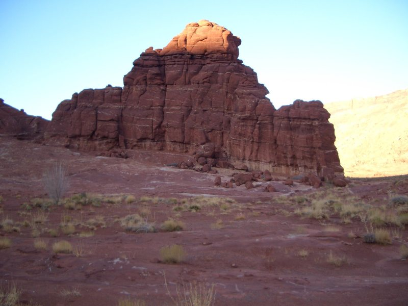 Rock Climbing Photo: Shelbyville is a lumpy tower in the middle of Kane...