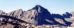 Rock Climbing Photo: Columbine Peak from lake just off the Bishop Pass ...