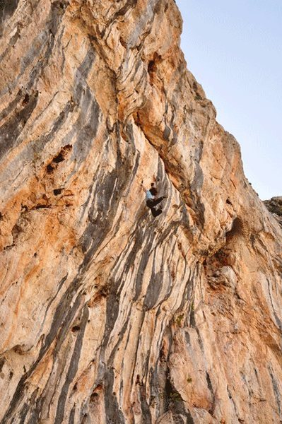 Rock Climbing Photo: The classic 8a at Loja in Andalucia - Vibraciones ...