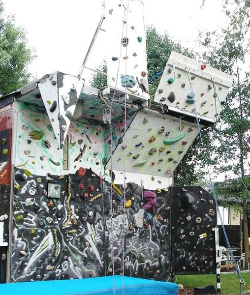 Rock Climbing Photo: Old paint job and upper deck view.