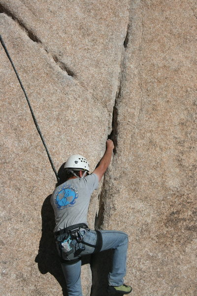 Rock Climbing Photo: Nathan with a good fist jam on Leaping Leaner.
