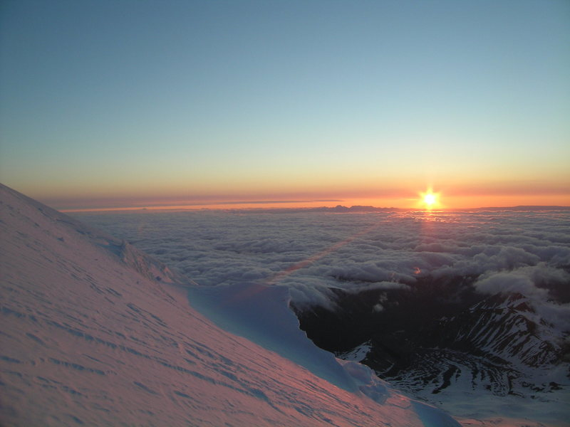 Rock Climbing Photo: Greeting a New Day from on High.  Mt. Rainier, Jun...