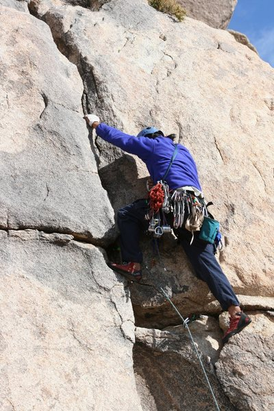 Al leading an unknown crack on Headstone rock
